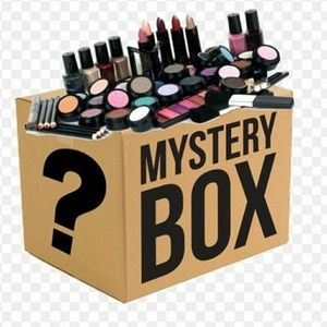 Other - Makeup mystery box 📦